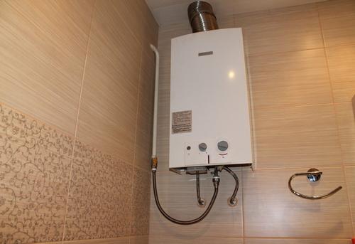 Установка газовой колонки в ванной в Москве