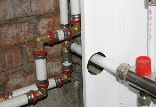 Монтаж металлопластиковых труб отопления в Москве