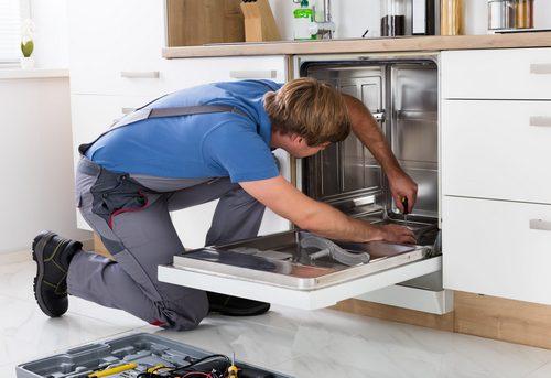 Подключение посудомоечной машины на кухне в Москве