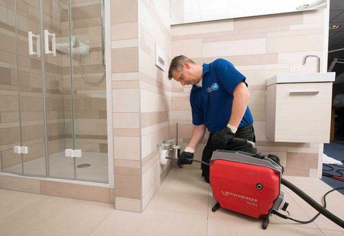 Прочистка канализации в квартире в Москве