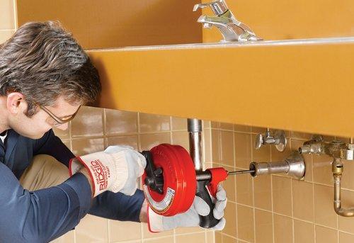 Прочистка труб канализации в частном доме в Москве