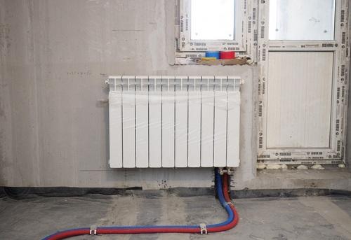 Установка биметаллического радиатора отопления в Москве