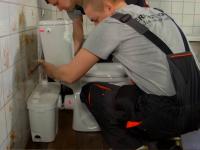 Монтаж канализационного насоса