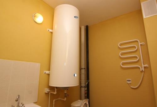Установка настенного водонагревателя вертикально в Москве