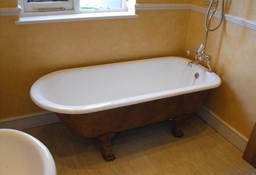 Замена чугунной ванны в Москве