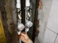 Замена стояка водоснабжения с установкой запорных кранов